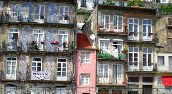 Miragaia Historical Neighbourhood Porto