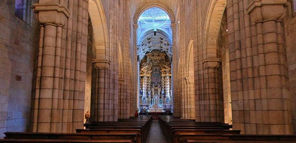 Porto Cathedral inside